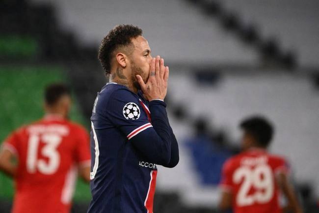 巴黎0-1拜仁!内马尔2次中框,错失单刀空门 萨内却当选全场最佳
