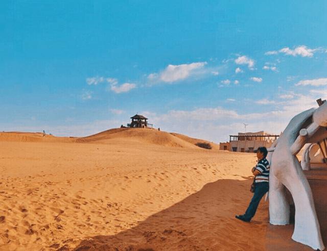"""原创             沙漠旅行时,迷路了为何不能直走?""""骆驼客""""给出了原因!"""