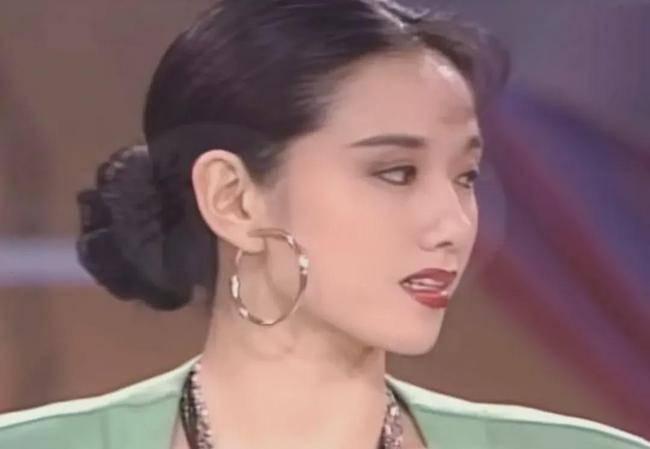 哇,杨丽萍20年前这么龙虎国际手机版惊艳?超级港风大玉人!!
