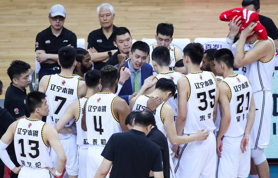 CBA总决赛辽粤争霸全景观察,辽篮PK卫冕冠军广东男篮,团结一致向梦想冲刺!