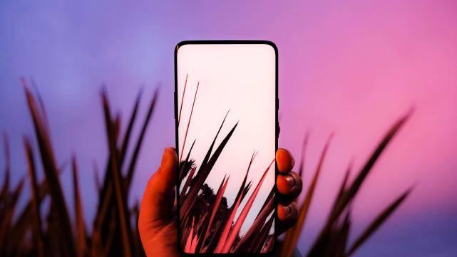 """原创             iPhone""""环保""""背后,暗流涌动的百亿市场,选一枚好充电器有多难?"""