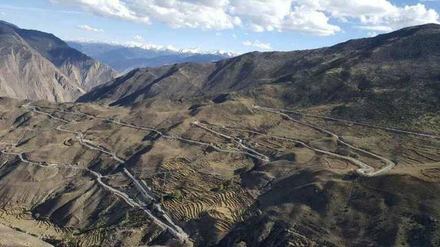 自驾游西藏,川进青出,对车子排量要求是多少合适?