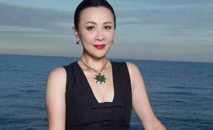 娱乐圈真正的大姐大,讽刺周星驰羞辱刘嘉玲,如今却成了这副模样  第4张