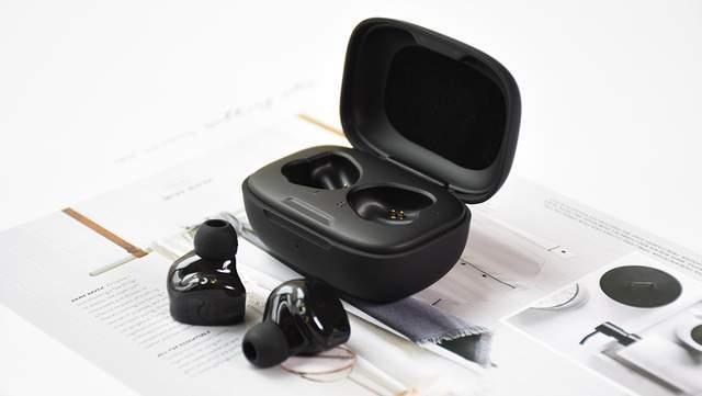BGVP Q2s真无线蓝牙耳机:圈铁双模 颜值在线