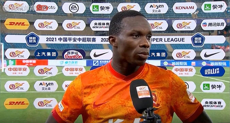 埃弗拉:武汉队这场比赛踢得不错,接下来控球拦截方面还需要提高