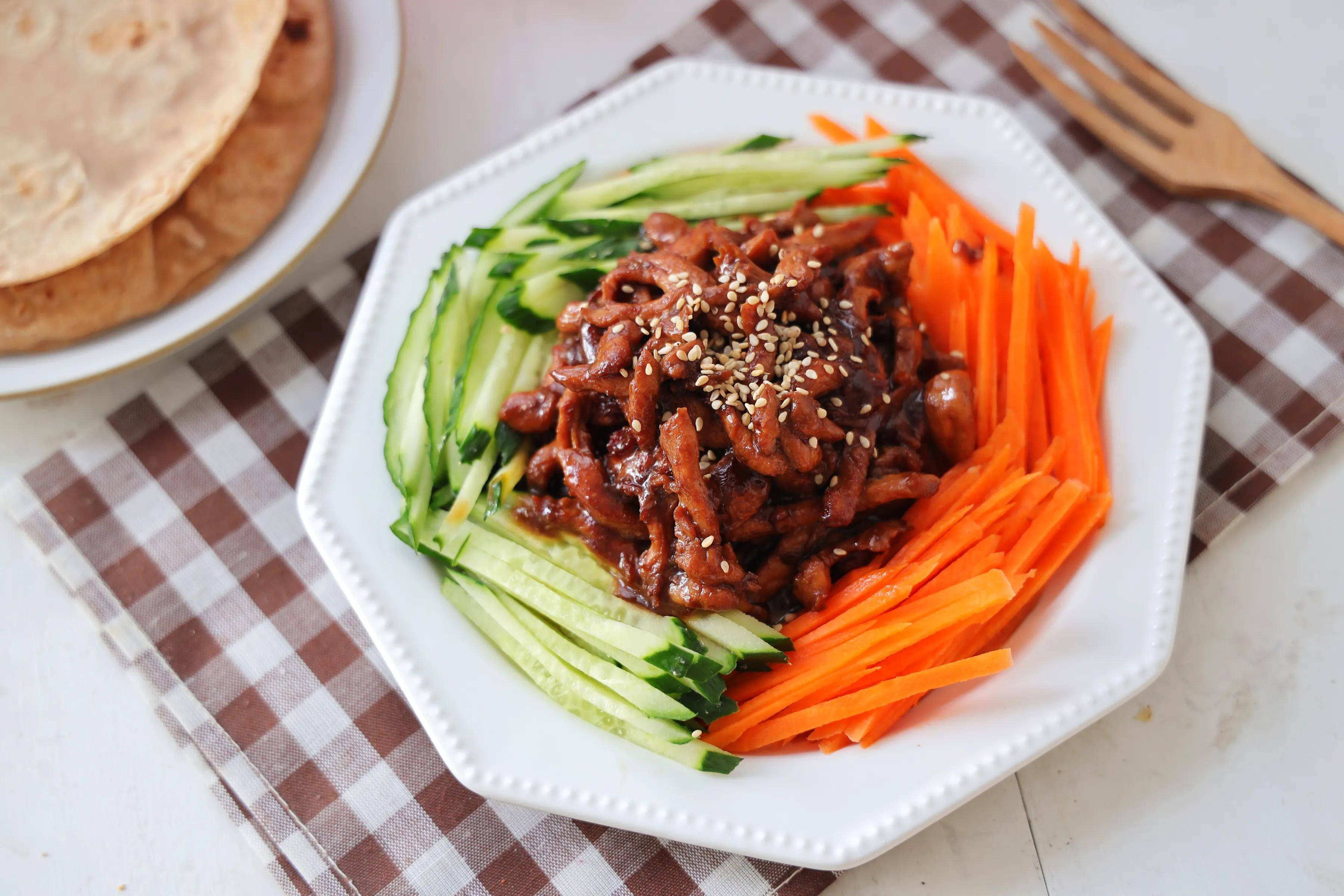 减脂餐推荐,有菜有肉有主食,一招就搞定!低脂饱腹又好吃