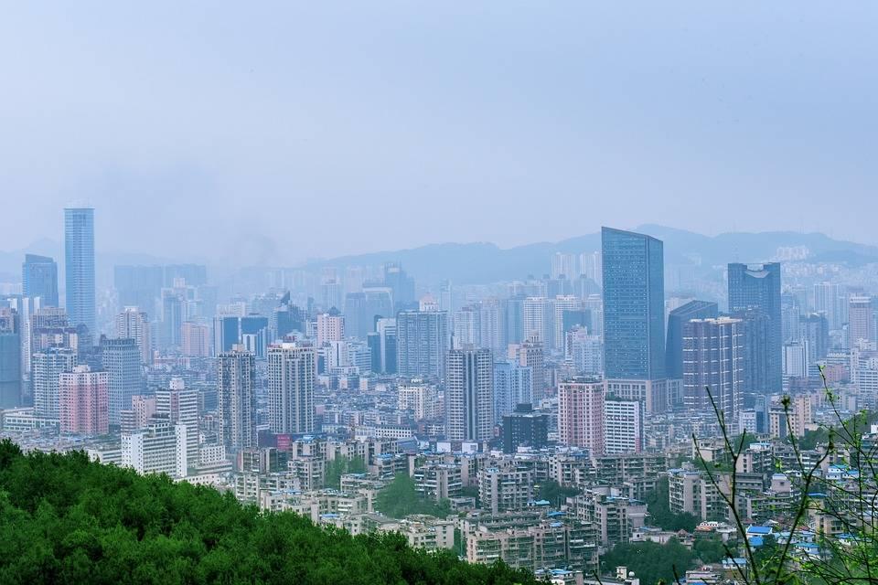 爽朗之城贵阳的2021年200米以上摩天情况排名如何?