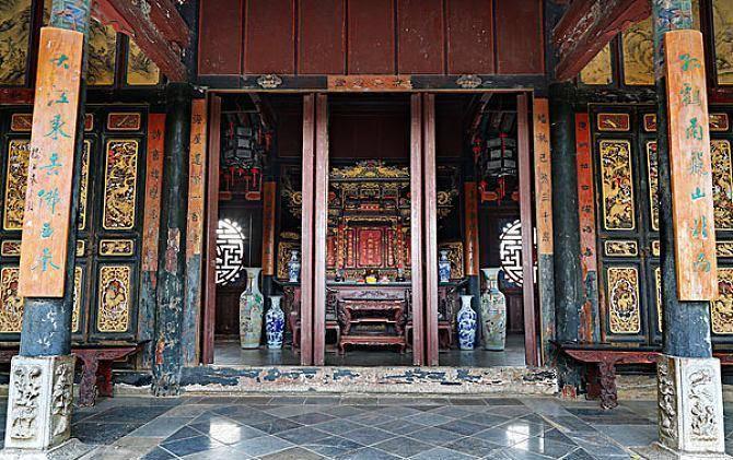 颇具江南特色的豪宅,坐落云南建水,历时20多年建成,主人姓朱