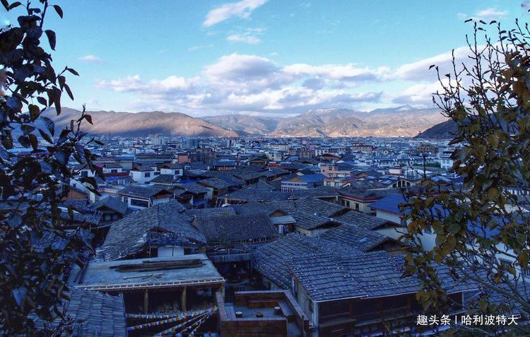 中国海拔最高古城,在云南香格里拉,房子寺庙全木建筑很有特色