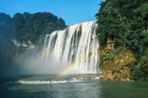 搭乘春秋航空前往黄果树瀑布的实惠之旅