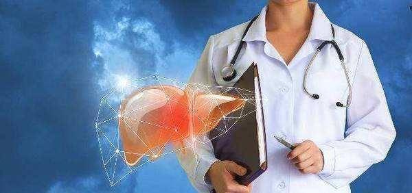 """為何肝臟是個""""啞巴器官""""?提醒:肝病早期的4個癥狀,別忽視"""