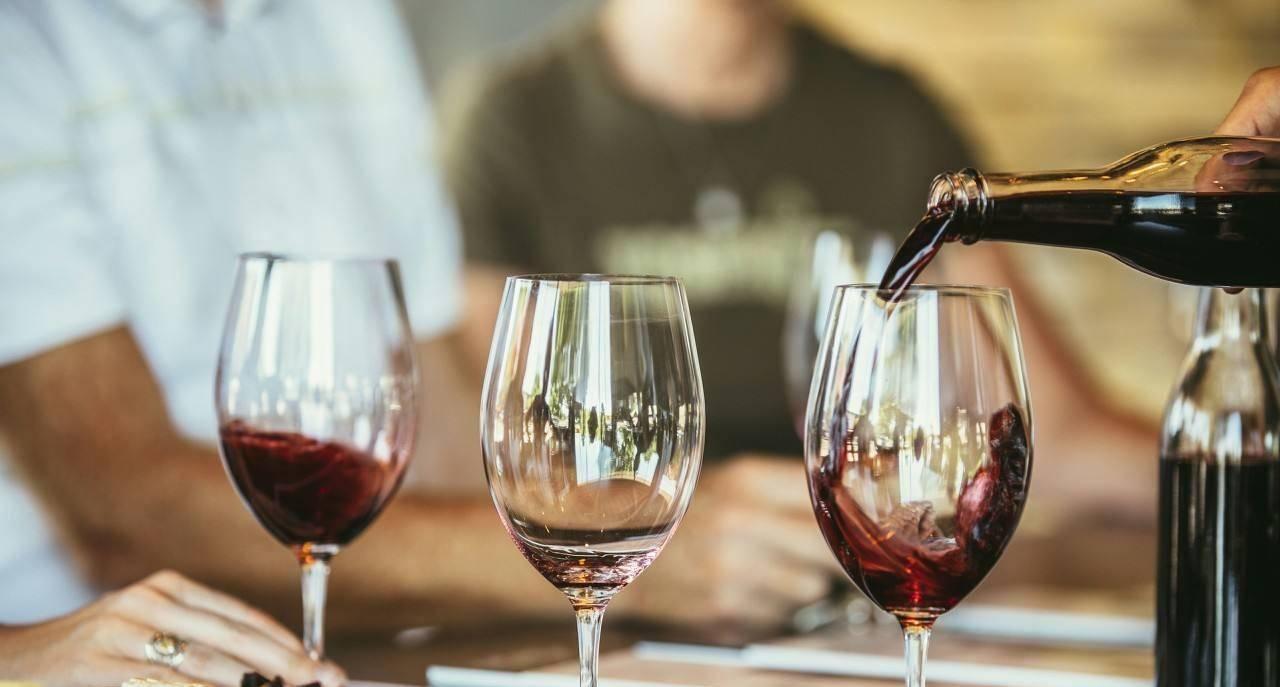 明明是最好喝的葡萄酒,为何在红酒圈总是被鄙视?小甜水很冤  红酒为什么酸涩难喝