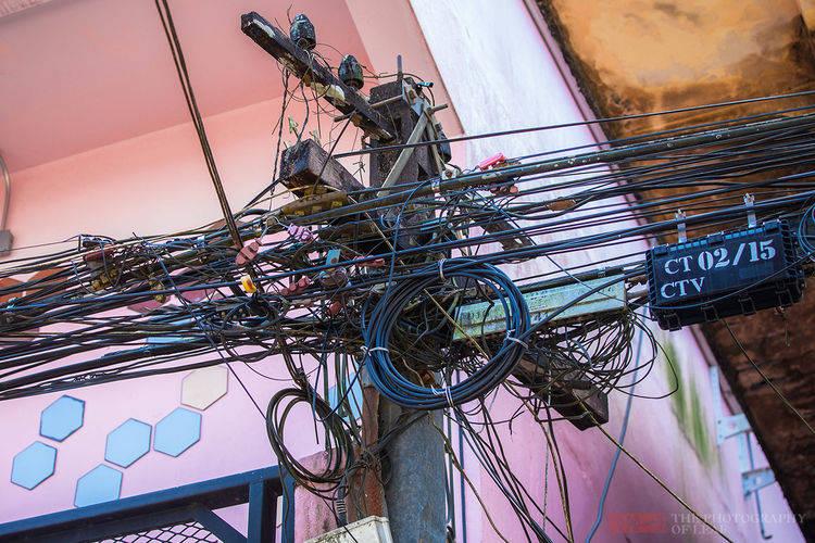为什么泰国人要用方形的电线杆?原因说出来有点搞笑