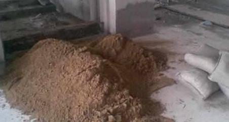 头次见往水泥里加洗衣粉的,听老师傅一说,后悔我家才知道