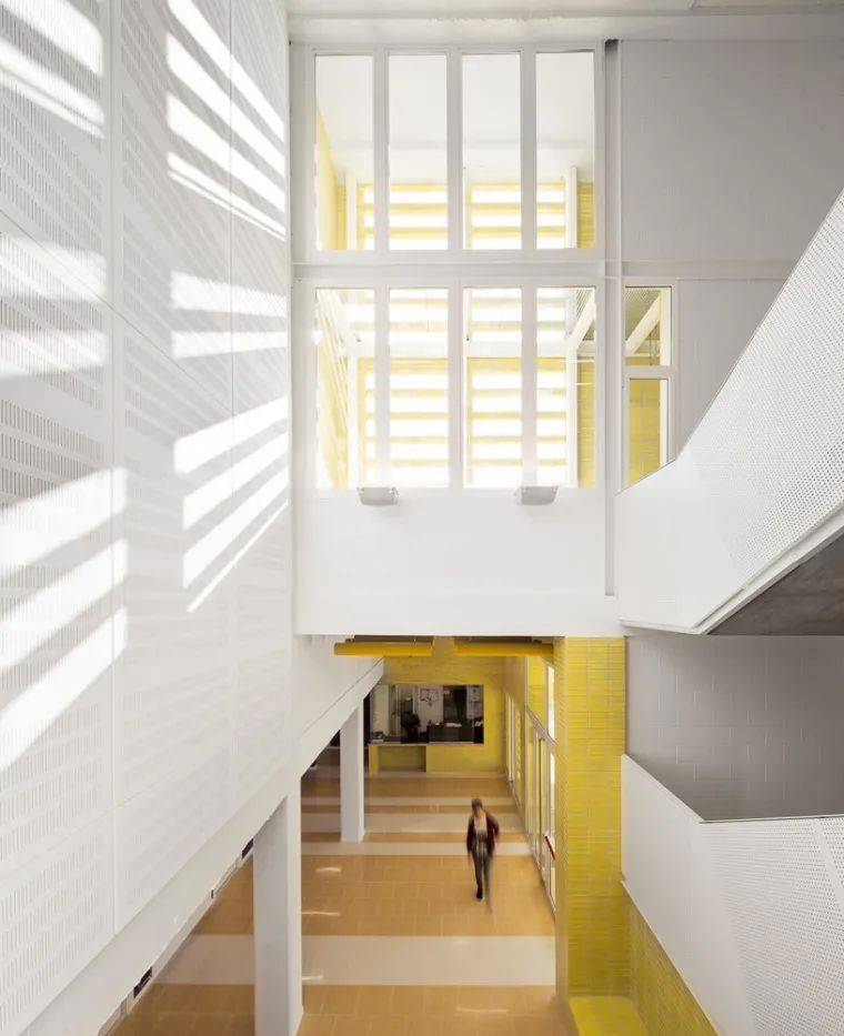 黄色——华贵权威的建筑