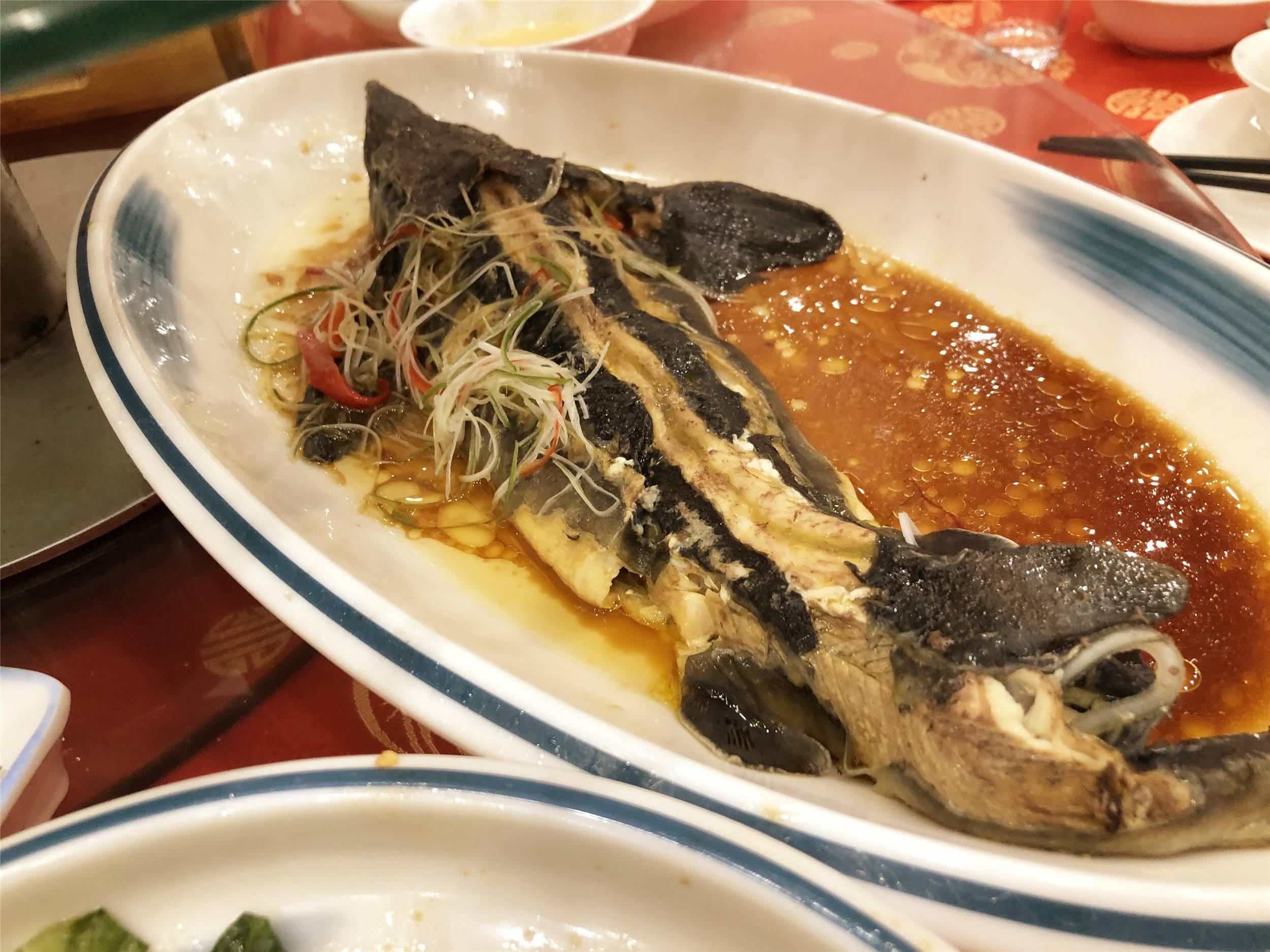 在河南参加婚宴,800元一桌走红朋友圈,网友:还是老乡懂实惠啊