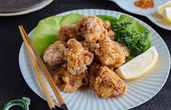 原創             外酥里嫩的日本炸雞,在家也能輕鬆做,大人小孩愛吃,1斤都不夠