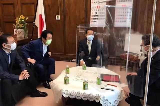 """不捐了?台湾接种AZ疫苗频传猝死,谢长廷竟称""""影响日本形象"""""""