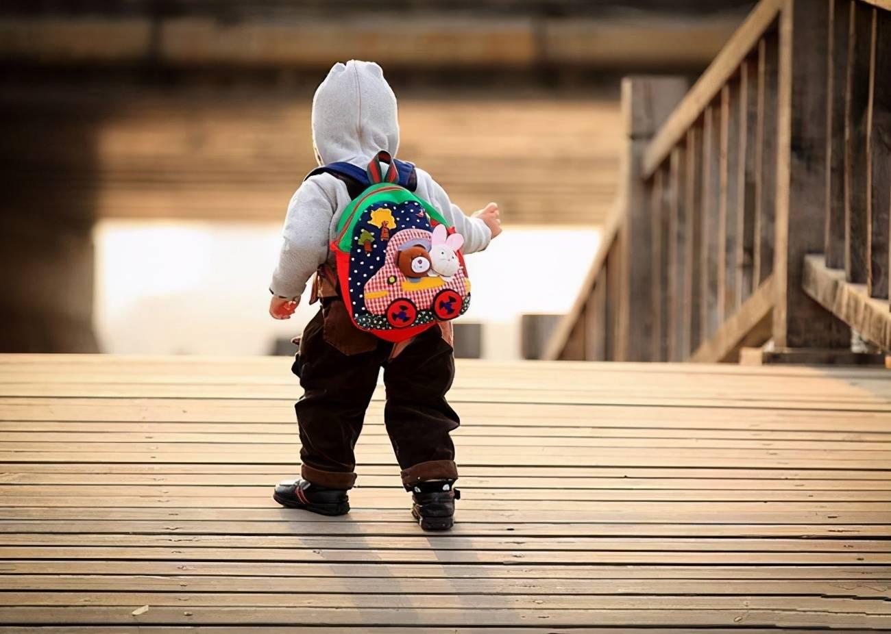 幼兒園老師坦言:第一天上幼兒園不哭的孩子,大都出自這3類家庭