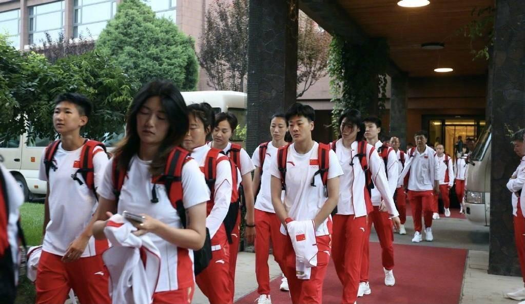 中国女足奔赴东京!面对球迷质疑和奥运目标,贾秀全这样说!_杏耀主管