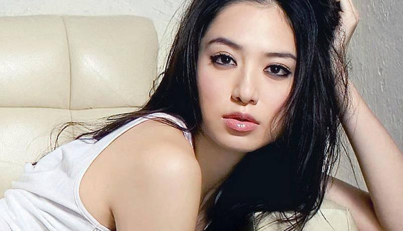 白歆惠饰演的女二,在《恶作剧之吻》中艳压林依晨,得不到男主