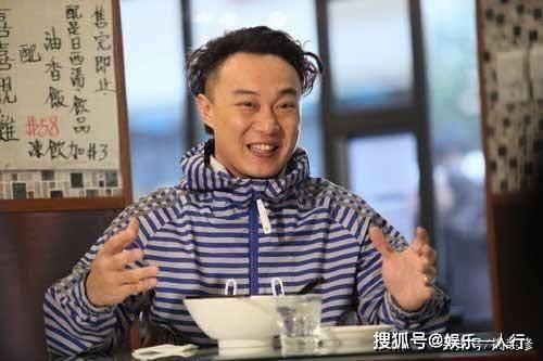 陈奕迅家中扮演蜘蛛侠,阳台可以俯瞰维多利亚港,装修太低调简陋_生活