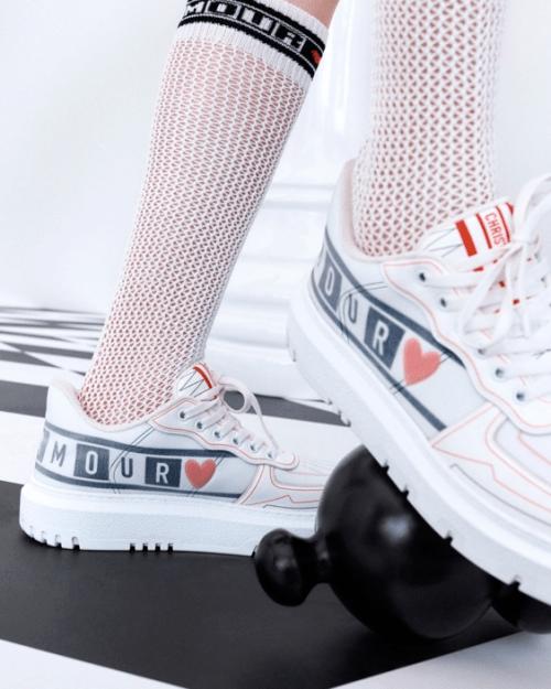 迪奥七夕节日限定时尚女鞋推荐