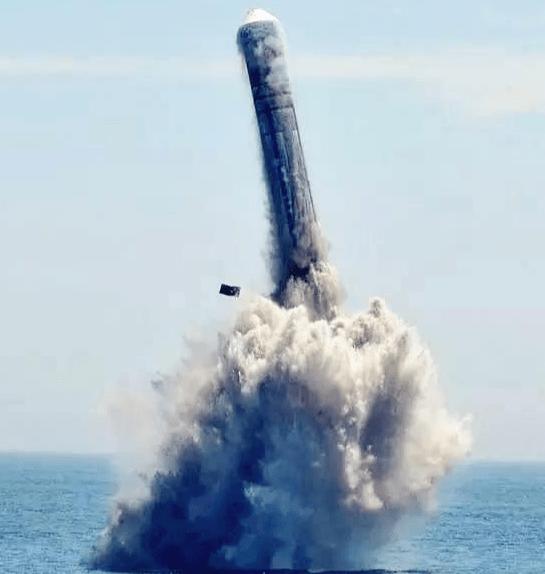 战略核力量的骄子:三叉戟II D-5最大射程有多远?超1万公里没问题!