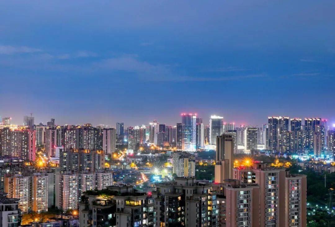 2021成都gdp_2021上半年省会GDP排名,广州稳居第一,成都超杭州,武汉超南京