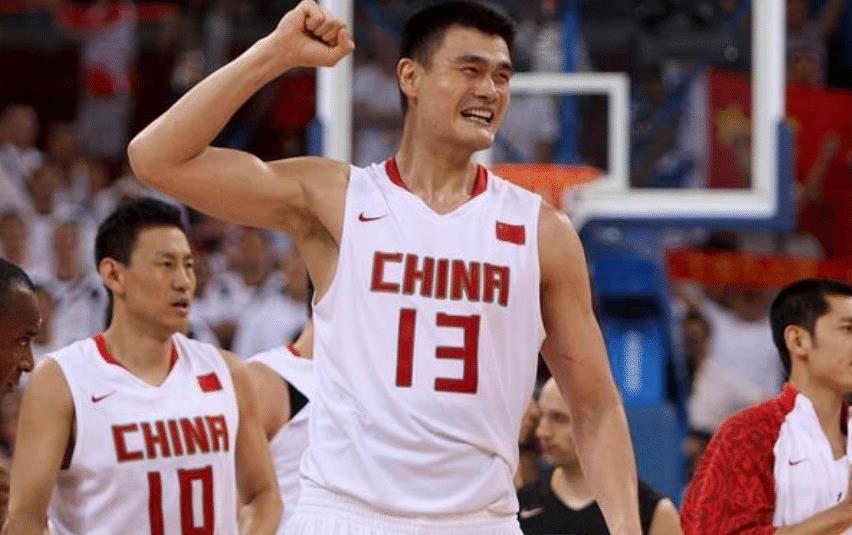 中國籃球事業的絆腳石,王治郅被他開除出國家隊,讓姚明心力交瘁