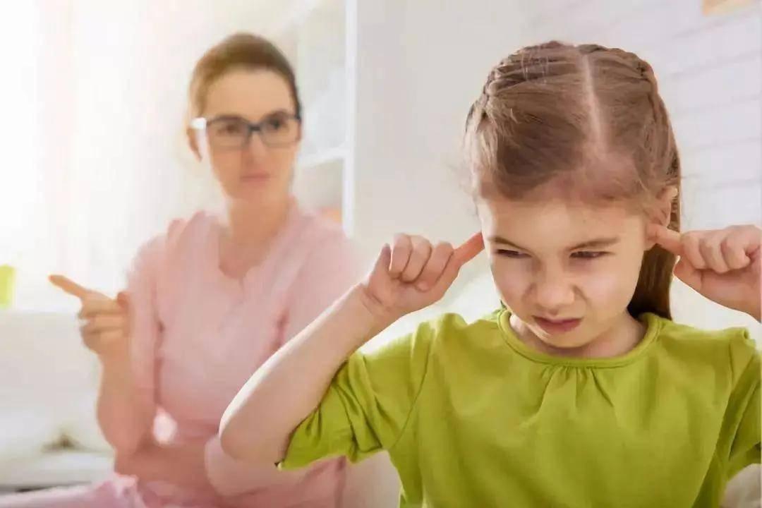 引领右脑带你剖析孩子调皮背后的心声