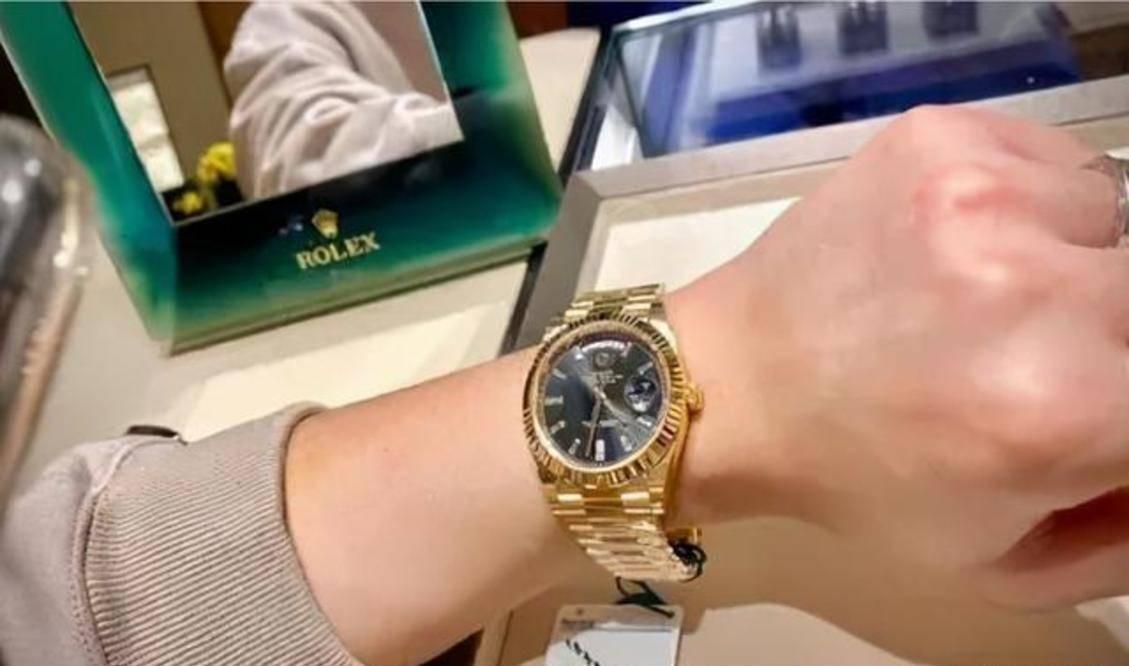 40万劳力士手表戴半年,一夜之间手表变轻,鉴定后却变成高仿货