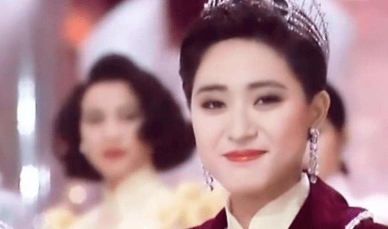 她曾是香港小姐冠军 却爱上了有钱人 但如今53岁的她依然孤身一人