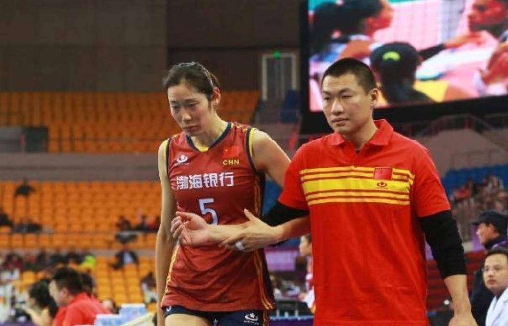 朱婷去天津2年,陈友泉最惨,意大利女排该换教练,