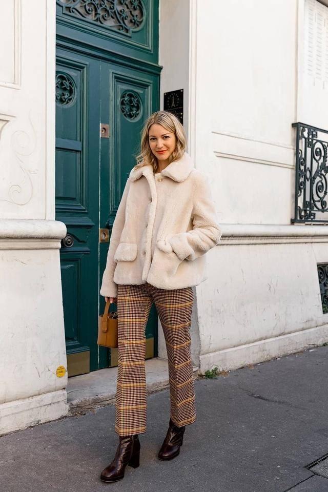原创             穿长裤的秋冬季节,裤子的长度有多长,腿的长度就有多长