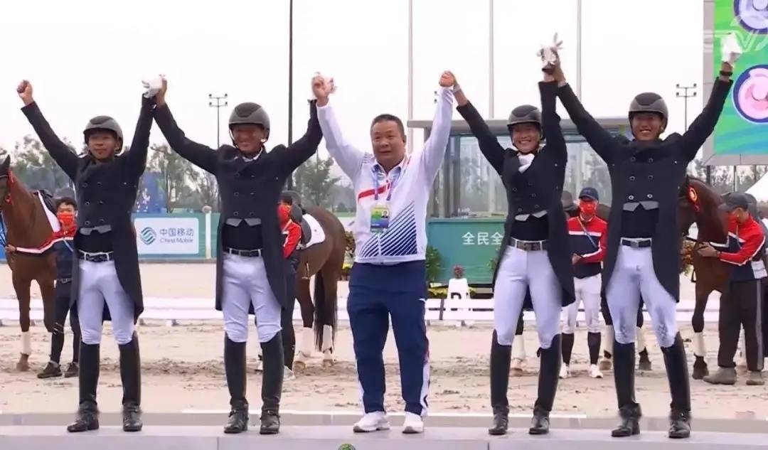 49岁驰骋赛场!马术常青树顾兵勇夺全运会金牌
