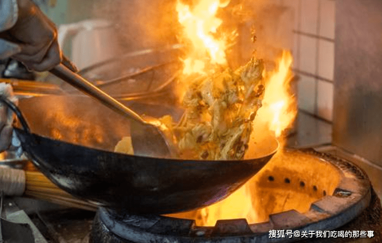 """老厨师:下馆子少点""""4类菜"""",看似干净却很脏,很多人可能常吃"""