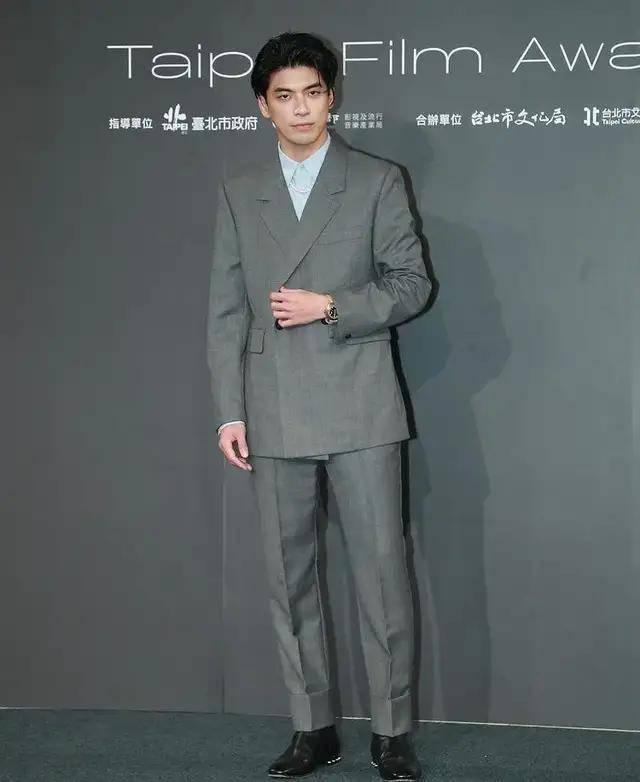 图片[10]-林心如变脸认不出,人均又土又俗,台北电影节红毯,把我丑笑了-妖次元