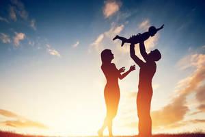 如何做一個合格的家長父母?好好愛孩子,讓寶寶健康成長,兩個故事教會您