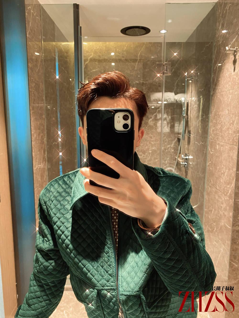 【男士时尚】丨春季,墨绿色丝绒夹克!