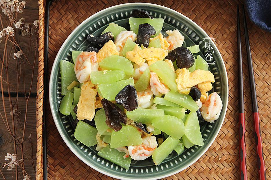 立夏时节,宁可少吃肉,也要吃3果3菜,价格亲民营养足,安稳度夏