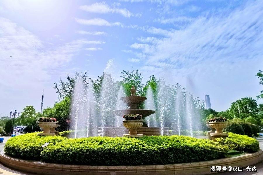 以美育人《立夏》一一王心耀作品展 立夏日在武汉星艺术空间开展