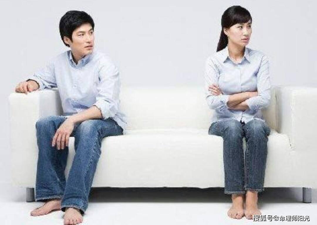 男人27岁没结婚正常吗 女性多大年龄开始想男人
