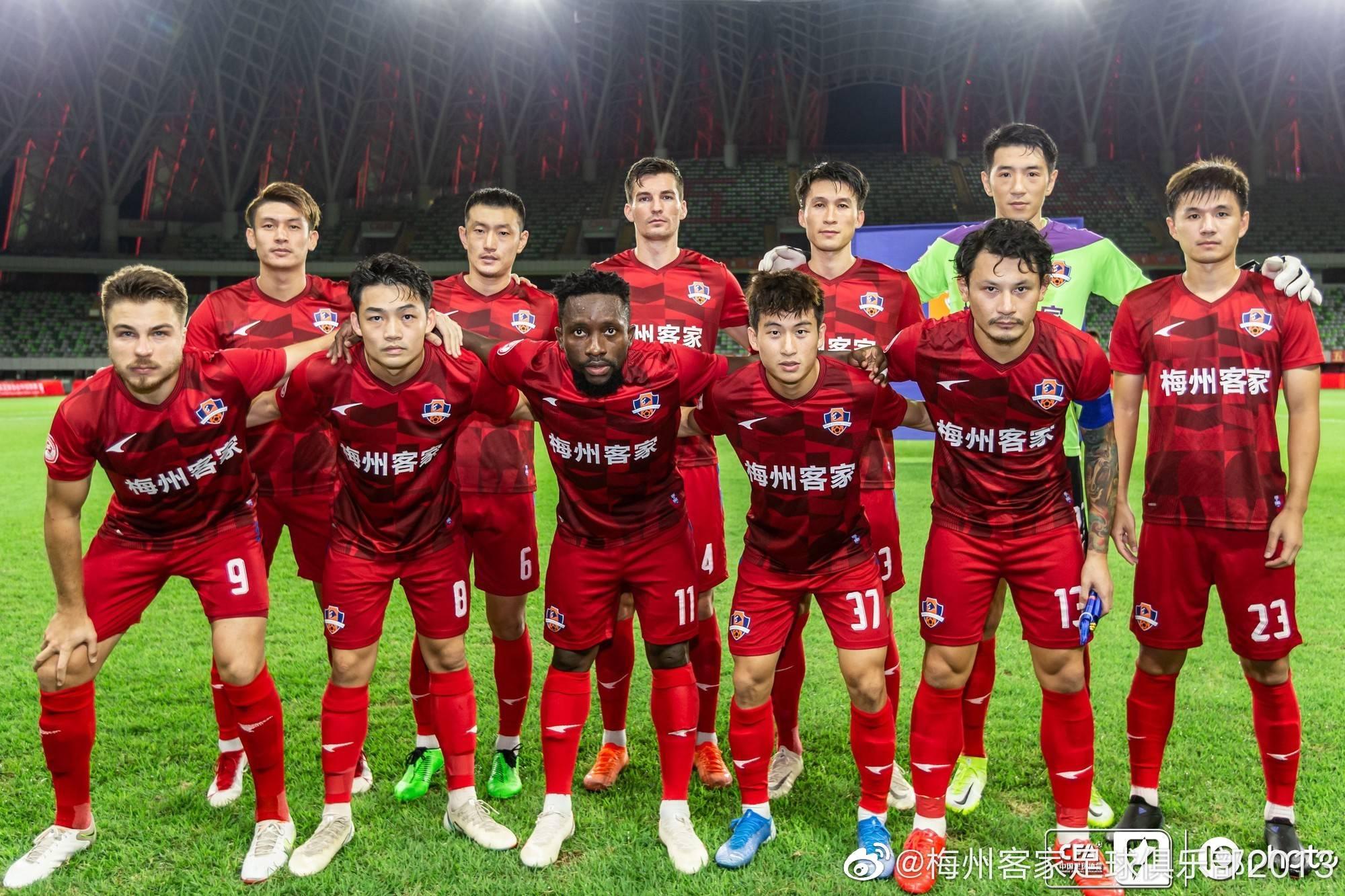 中甲综述-南京2-1力克辽足 梅州4-0江西继续领跑