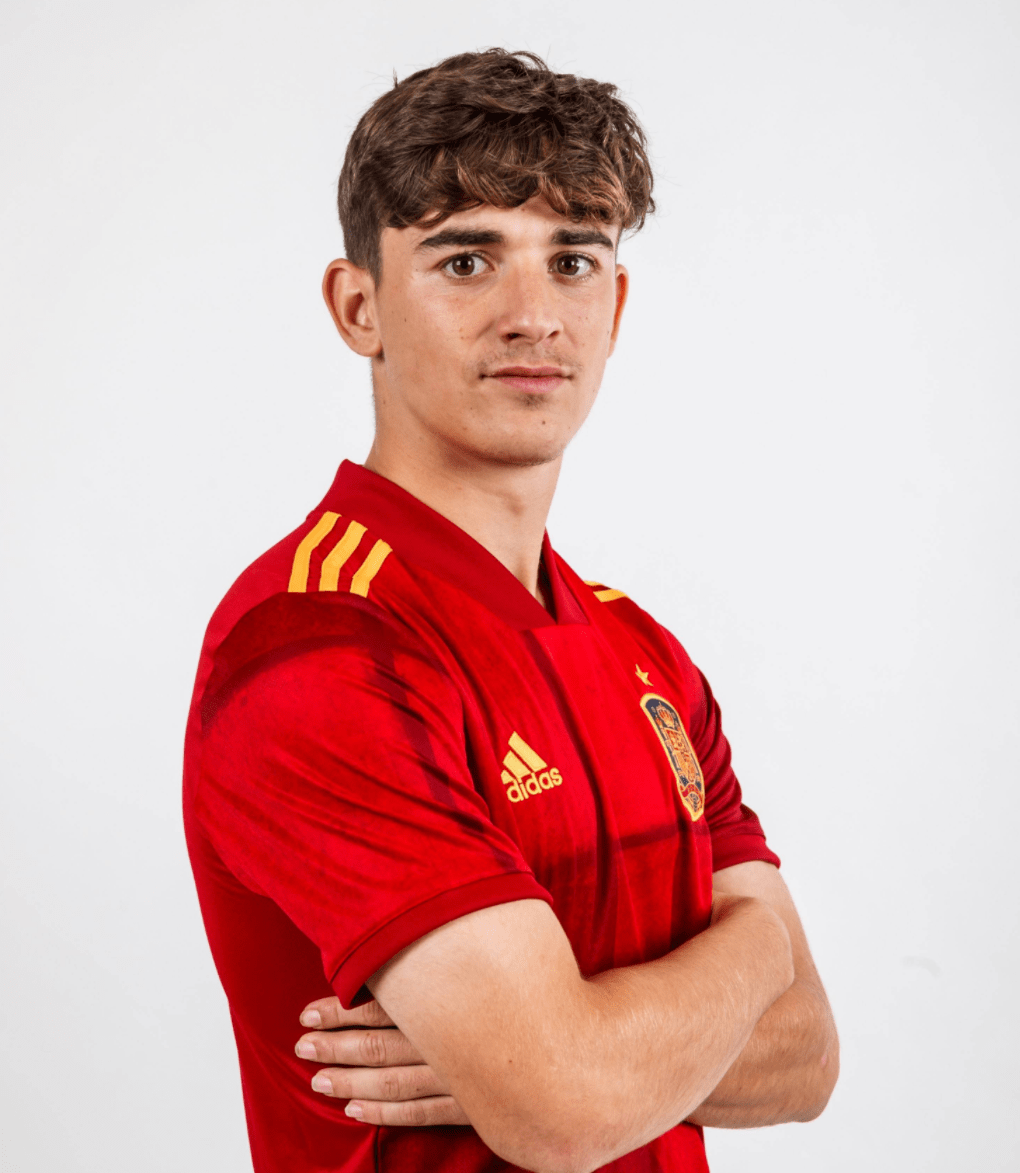 17岁零62天!加维刷新西班牙国家队首秀年龄纪录