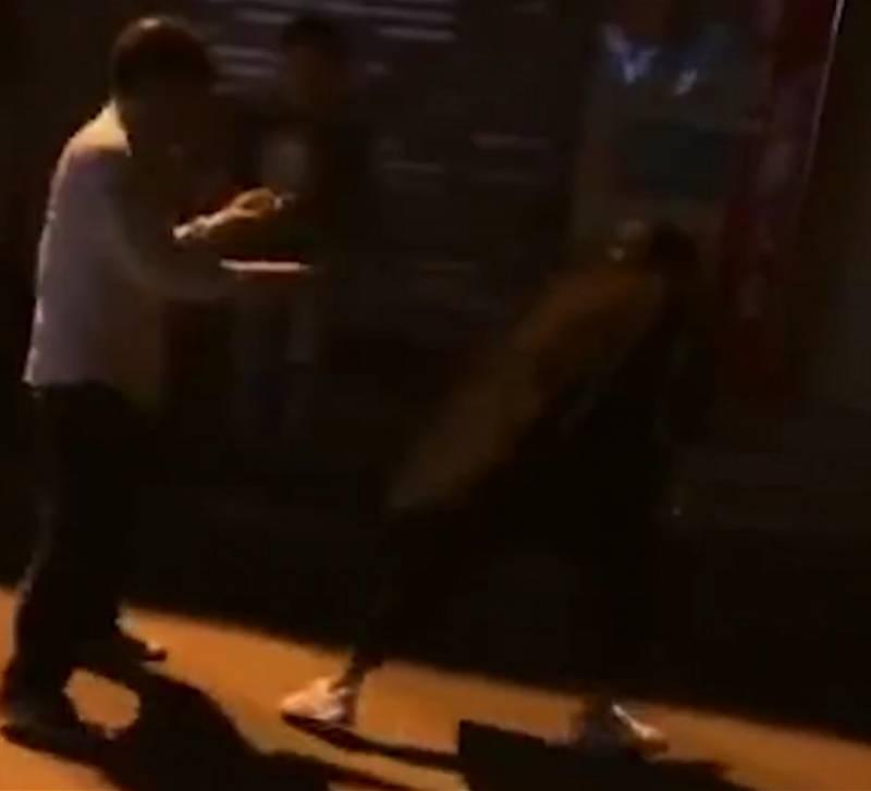 因车费纠纷广州乘客酒后咬断的哥手指被刑拘!司机断指已接上