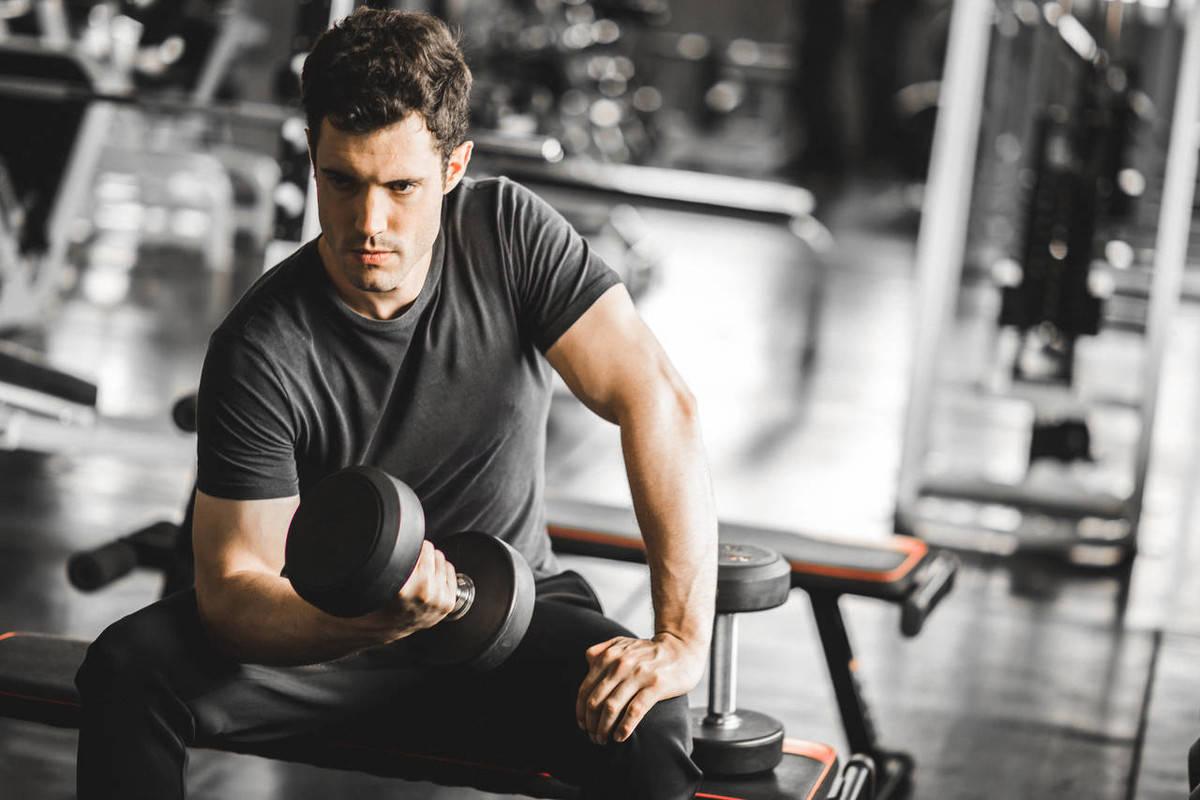 中年时期该如何健身呢?坚持练习这组动作,提高基础代谢_身体