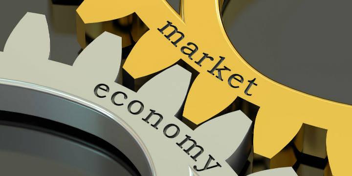 【首席观察】动荡的市场与疫情升级的防控
