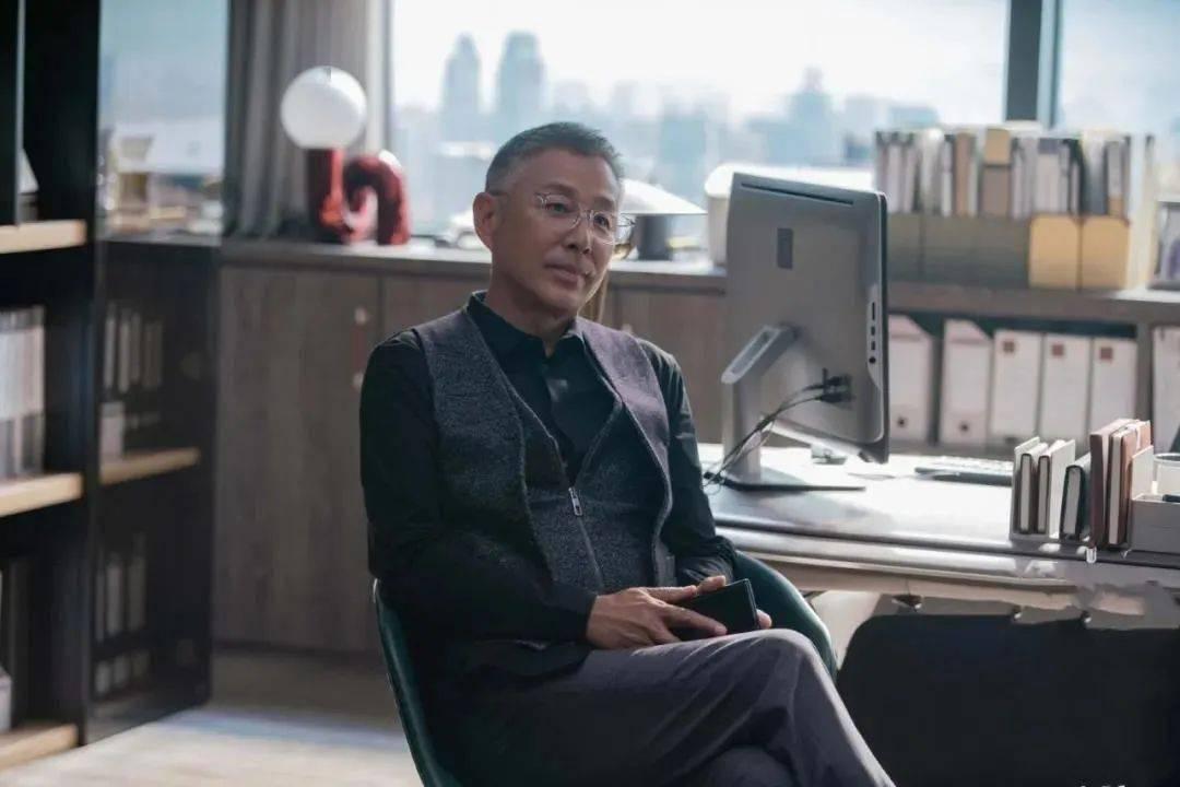 65岁陈道明再度爆红:一个人真正的强大,从独来独往开始