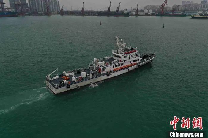 国内首艘自主建造500千伏海底电缆运维船在海口交付使用